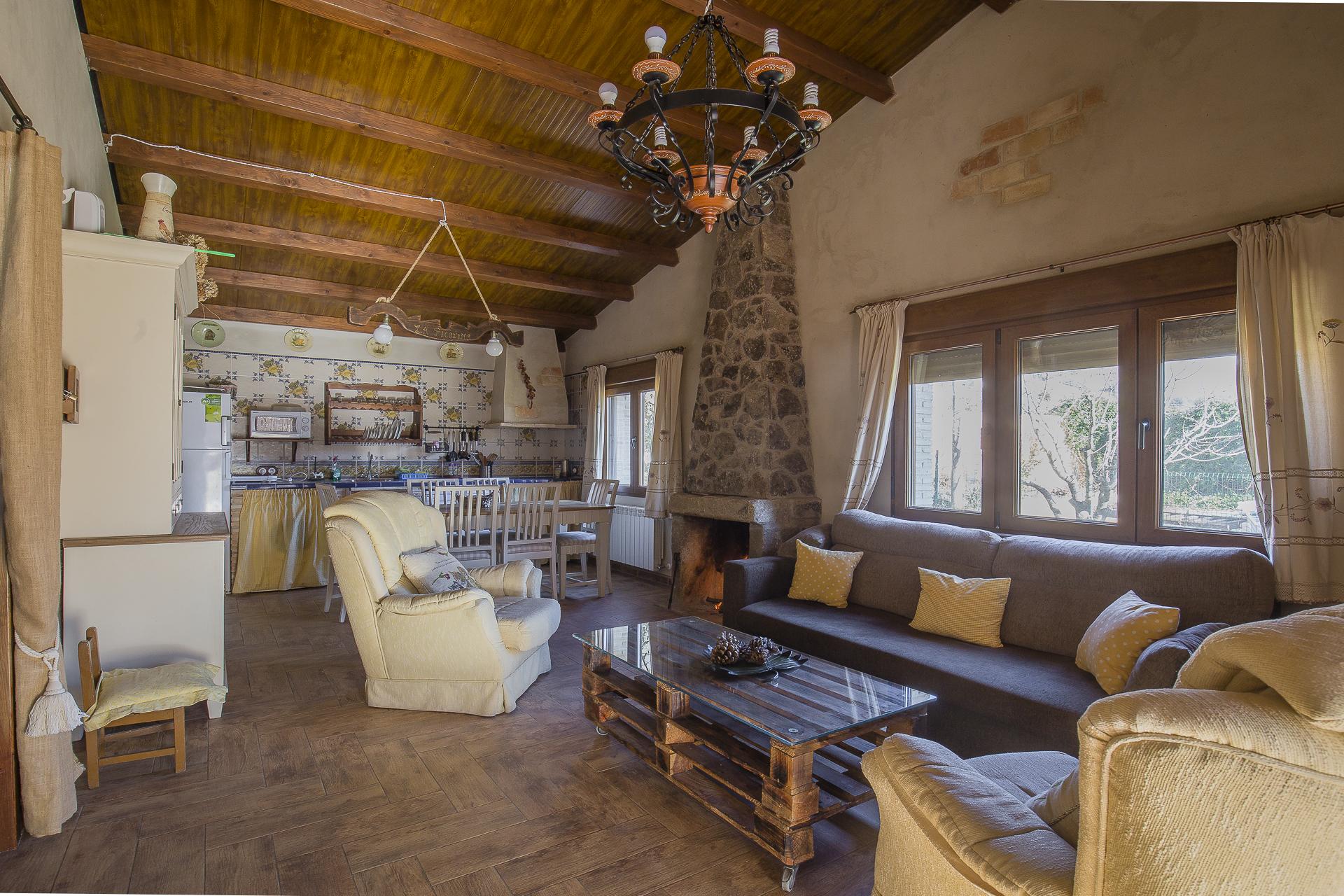 Salón Casa Rural Navaconcejo